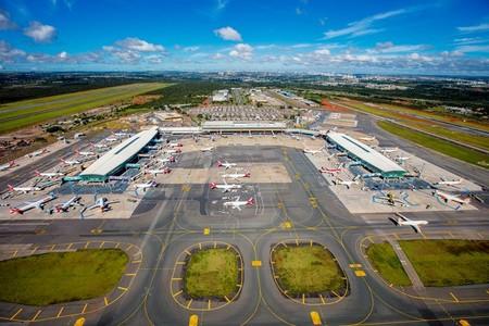 Left or right aeroporto de brasilia bento viana