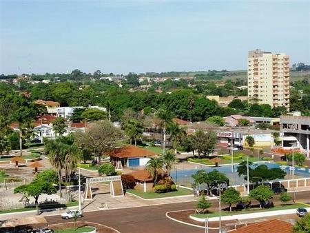 Left or right maracaju