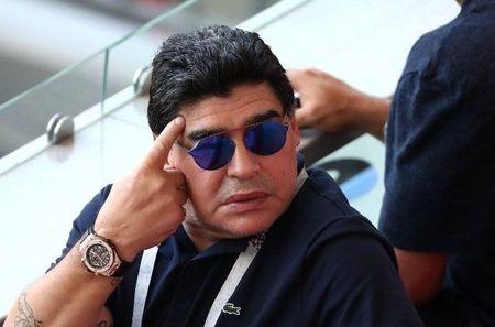 Left or right maradona