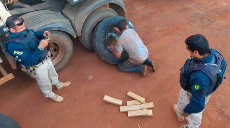 Left or right prf apreende 2786 kg de maconha em pneus de caminha o em sidrola ndia ms 800x445
