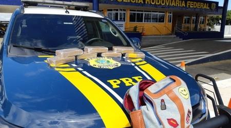 Left or right salvador noticia mochila com drogas