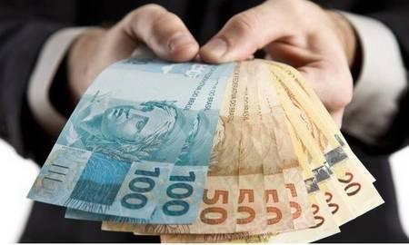Left or right dinheiro mais uma
